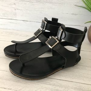 Chloe T Strap Gladiator Leather Sandals
